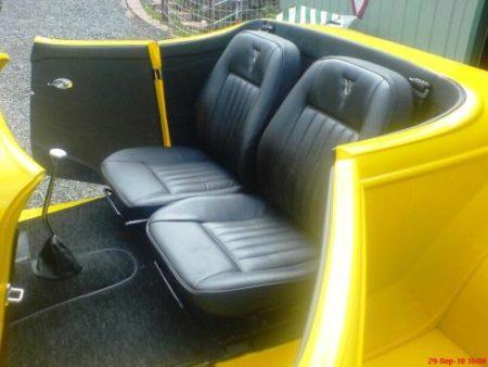 Razz 34 Roadster interior